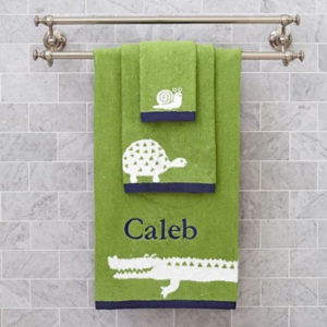 Wholesale Green Wildlife Motif Jacquard Bath Towel Set