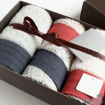 Wholesale White Furry Luxury Towel Set