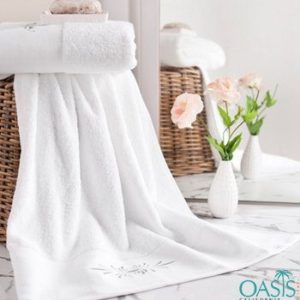 Wholesale Plush White Hotel Towels Manufacturer
