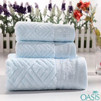 Wholesale Icy Blue Embedded Hotel Towels Manufacturer